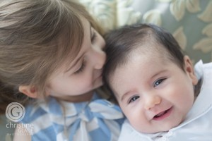 Bother and sister, sibling photography, Birth announcements, baby photography, family portraits